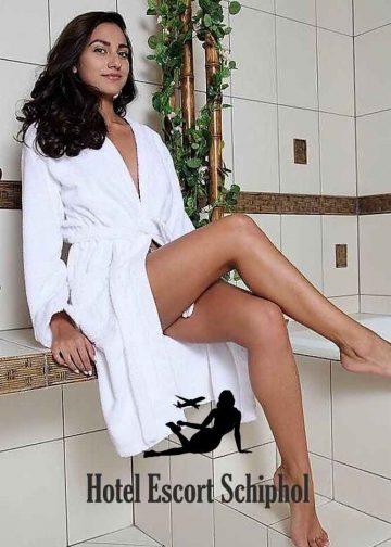 Hotel Escort Louisia - Tall Brunette Schiphol Escort Girl